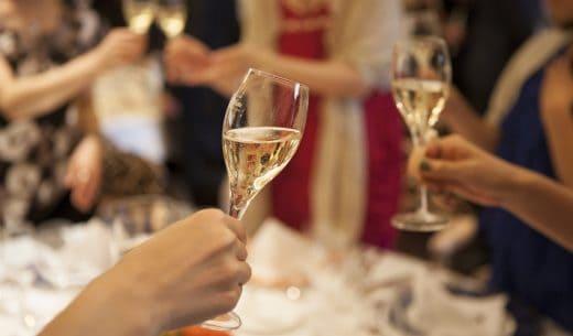 Fotolia 98758247 S 520x305 - 結婚相談所主催の婚活パーティーについてあなたが絶対知っておくべきこと