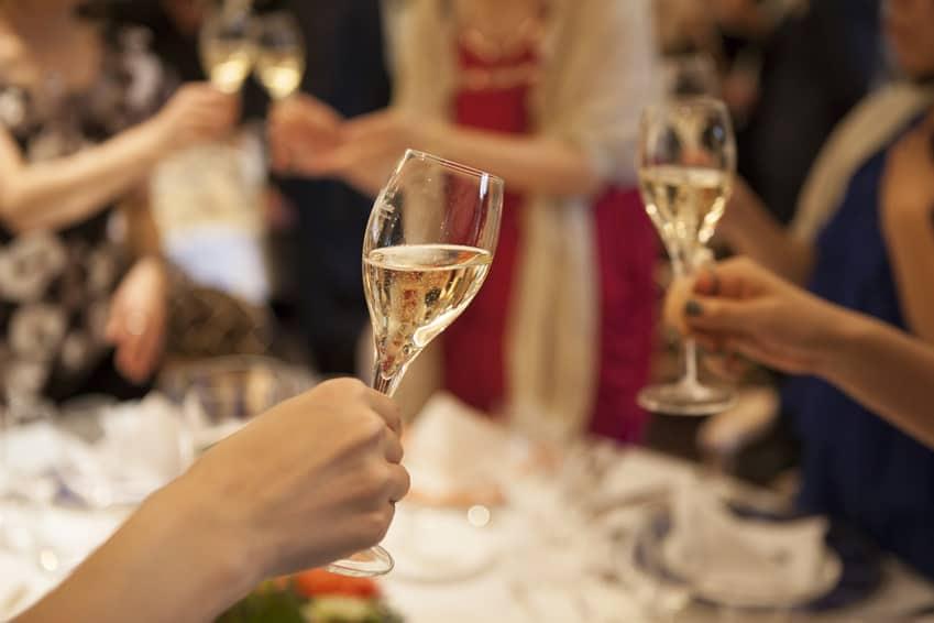 Fotolia 98758247 S - 結婚相談所主催の婚活パーティーについてあなたが絶対知っておくべきこと